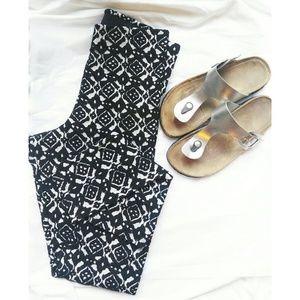H&M Black And White Textured Leggings